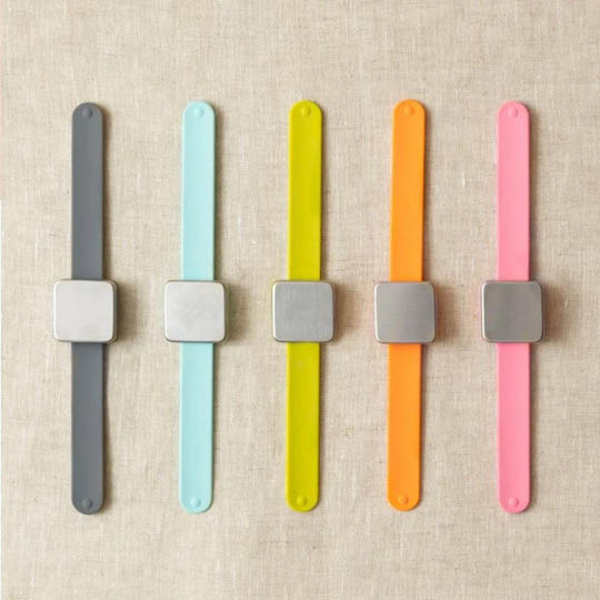 CocoKnits Makers Keep Armband