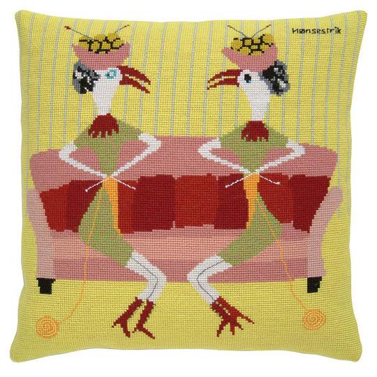 Fru Zippe Pillow Knitting Hens 740348