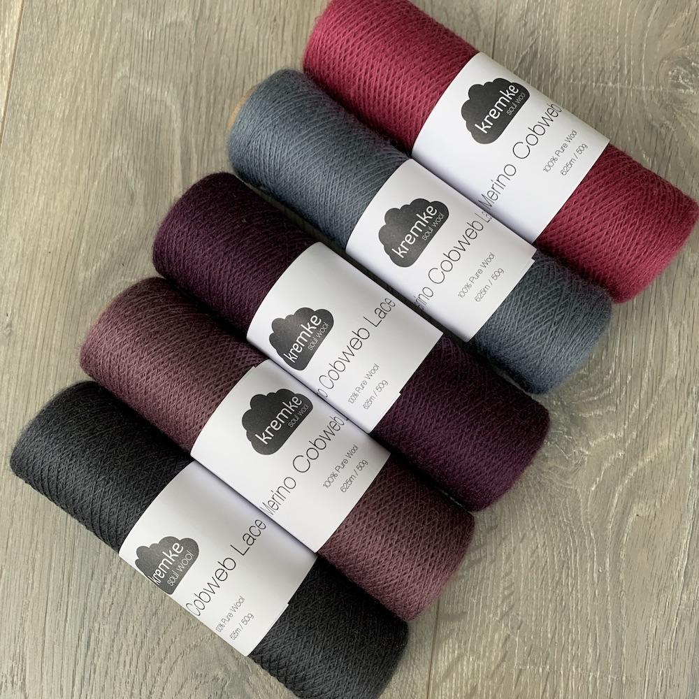 Kremke Soul Wool Kit Shawl Marling im Rhythmus German Grey Roses