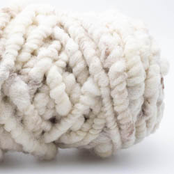 Kremke Soul Wool Rugby Teppichwolle GOTS ungefärbt Naturweiß Braun ungefärbt